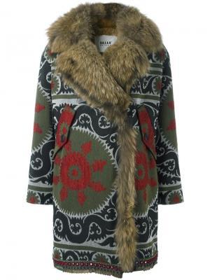 Пальто с меховой подкладкой Bazar Deluxe. Цвет: многоцветный