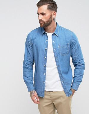 Levis Светлая джинсовая рубашка с одним карманом. Цвет: синий