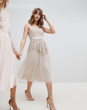 Amelia Rose Платье миди с пайетками. Цвет: коричневый