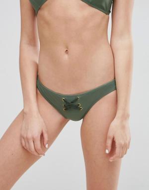 ASOS Плавки бикини с отделкой из искусственной кожи. Цвет: зеленый