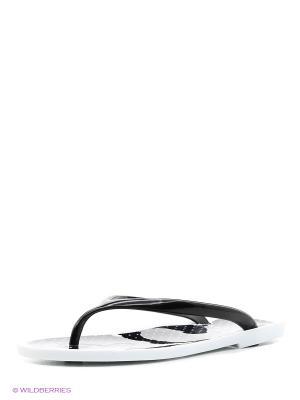 Шлепанцы Reserved. Цвет: черный, белый