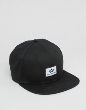 Alpha Industries Черная кепка с логотипом. Цвет: черный