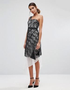 Three Floor Кружевное платье на одно плечо с плиссированным подъюбником Floo. Цвет: мульти