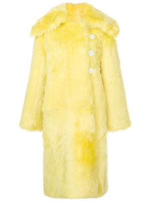 Шуба из овчины в стиле оверсайз Wanda Nylon. Цвет: жёлтый и оранжевый