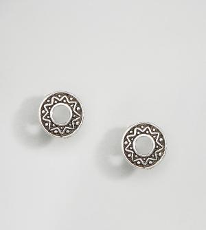 Kingsley Ryan Серебряные серьги-гвоздики с гравировкой. Цвет: серебряный