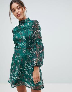 Missguided Короткое приталенное платье с длинными рукавами и цветочным принтом Mi. Цвет: зеленый
