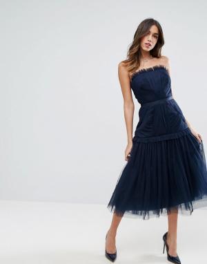 ASOS Платье-бандо миди со вставкой из тюля и заниженной талией. Цвет: темно-синий