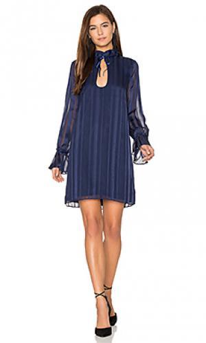 Платье the 70s ruffle sleeve LAcademie L'Academie. Цвет: синий