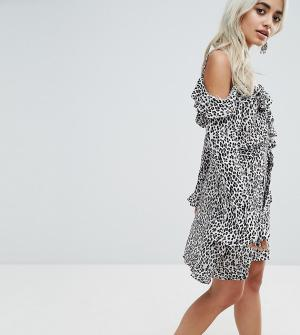 Sisters of the Tribe Платье с леопардовым принтом, запахом и открытыми плечами T. Цвет: белый