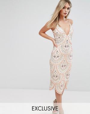 Starlet Платье миди на бретельках и со сплошной декоративной отделкой. Цвет: розовый