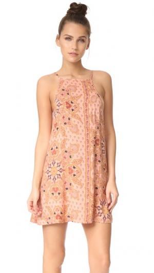 Платье Meg Knot Sisters. Цвет: розовая мандала