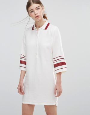 Wood Платье с полосками на рукавах Caitlin. Цвет: белый