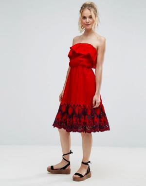 ASOS Платье миди бандо с вышивкой на подоле. Цвет: красный