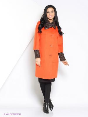 Пальто Amulet. Цвет: оранжевый