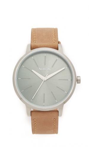 Часы с кожаным ремешком Kensington Nixon