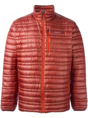 Куртка-пуховик Patagonia. Цвет: жёлтый и оранжевый