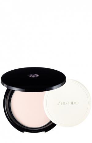 Прозрачная компактная пудра Shiseido. Цвет: бесцветный