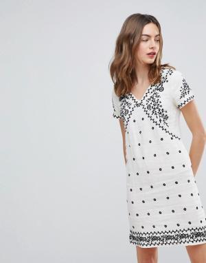 Deby Debo Платье с вышивкой Billy. Цвет: белый