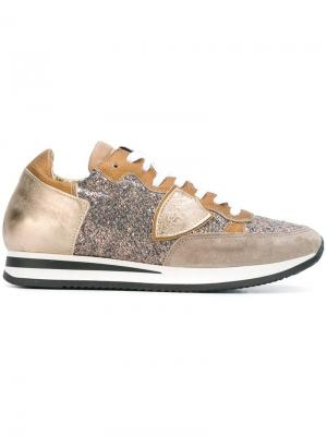 Кроссовки с панельным дизайном Philippe Model. Цвет: металлический