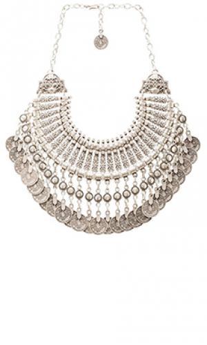 Колье natalie b fit for a queen Jewelry. Цвет: металлический серебряный