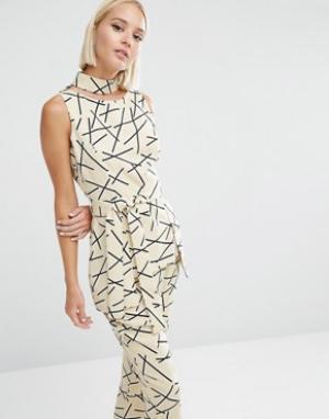 Lavish Alice Топ с абстрактным принтом и завязывающимся поясом. Цвет: мульти