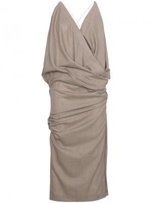 Приталенное платье миди без рукавов Jacquemus. Цвет: телесный