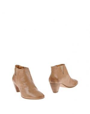 Полусапоги и высокие ботинки GAIA D'ESTE. Цвет: хаки