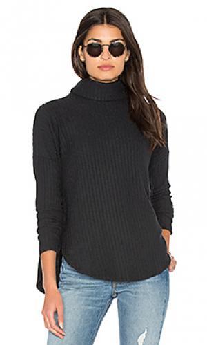 Плюшевый пуловер с высоким воротом Bella Luxx. Цвет: черный