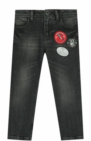 Джинсы прямого кроя с потертостями и нашивками Marc Jacobs. Цвет: темно-серый