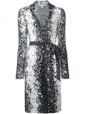 Платье с запахом и принтом брызг краски Dvf Diane Von Furstenberg. Цвет: чёрный
