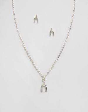 Johnny Loves Rosie Подарочный набор с ожерельем и серьгами Rose. Цвет: серебряный