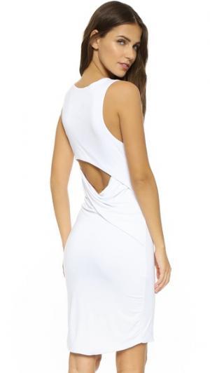 Платье с открытой спиной Razor Feel The Piece. Цвет: белый