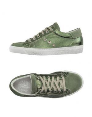 Низкие кеды и кроссовки STOKTON. Цвет: изумрудно-зеленый