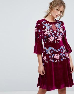 Frock and Frill Короткое приталенное премиум-платье из бархата с отделкой и оборками F. Цвет: красный