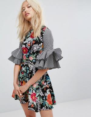 House of Holland Платье с клетчатым и цветочным принтом рукавами клеш Hollan. Цвет: мульти