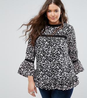 Koko Топ с оборками на рукавах и леопардовым принтом Plus. Цвет: мульти
