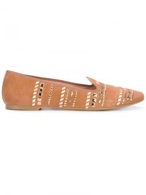Лоферы с заклепками Pretty Loafers. Цвет: коричневый