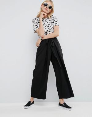 ASOS Плиссированные брюки с завязкой на поясе. Цвет: черный