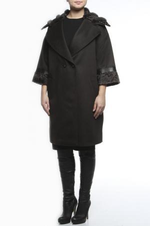 Пальто Regalia. Цвет: серый