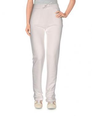 Повседневные брюки BEA. Цвет: белый