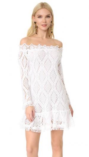 Платье с открытыми плечами Temptation Positano. Цвет: белый
