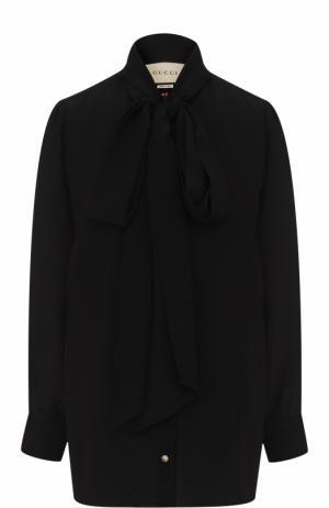 Шелковая блуза с воротником аскот и принтом на спинке Gucci. Цвет: черный