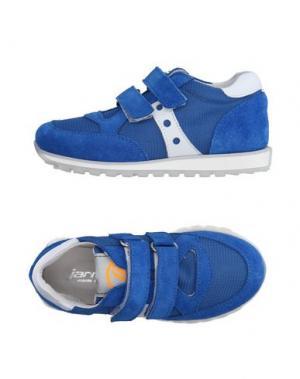 Низкие кеды и кроссовки JARRETT. Цвет: синий