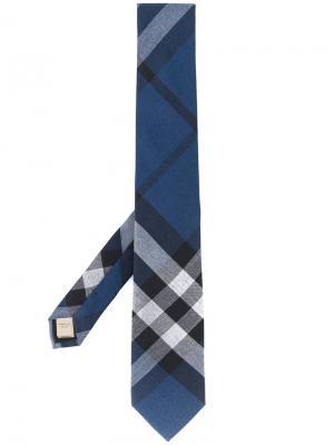 Клетчатый галстук современного кроя Burberry. Цвет: синий
