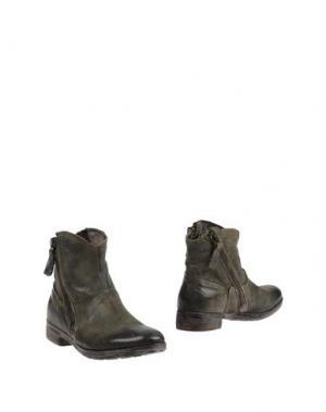 Полусапоги и высокие ботинки HANGAR. Цвет: зеленый-милитари