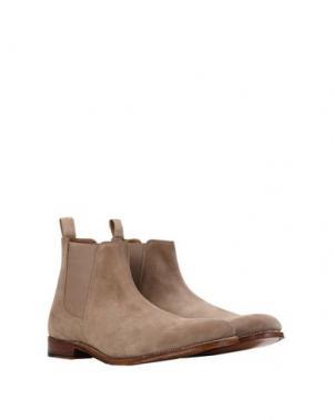 Полусапоги и высокие ботинки GRENSON. Цвет: песочный