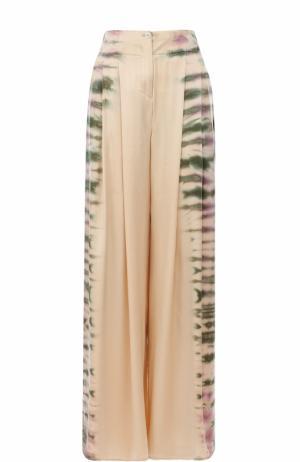 Шелковые брюки с принтом Raquel Allegra. Цвет: бежевый