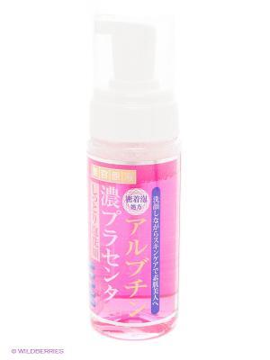 Пенка для умывания с арбутином и плацентой Roland 150 мл. Цвет: розовый