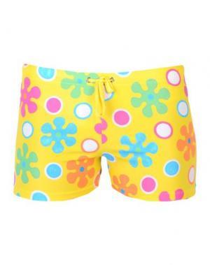 Пляжные брюки и шорты MOSCHINO SWIM. Цвет: желтый
