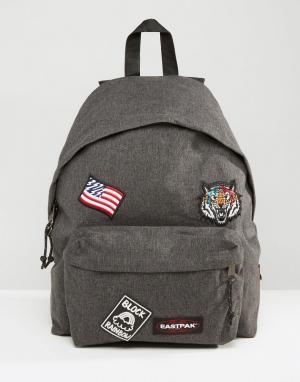 Eastpak Черный уплотненный рюкзак с нашивками PakR. Цвет: черный